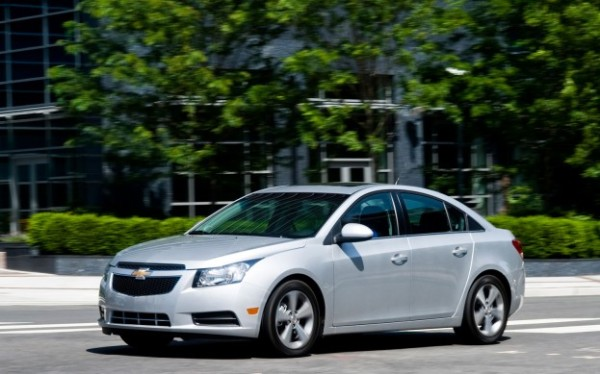 2012-Chevrolet-Cruze-left-front-1-623x389.jpg