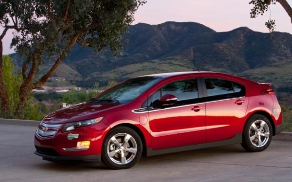 2013-Chevrolet-Volt-front-three-quarter-623x389.jpg